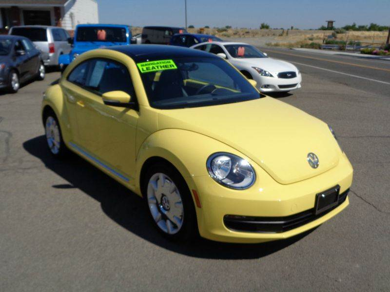 2014 Volkswagen Beetle 1.8T PZEV 2dr Coupe 5M w/Sunroof, Sound and Navigation - Kennewick WA