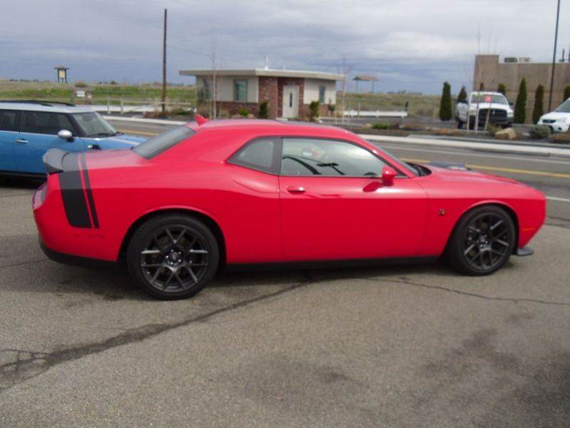 2017 dodge challenger r t scat pack 2dr coupe in kennewick wa john 39 s auto mart. Black Bedroom Furniture Sets. Home Design Ideas