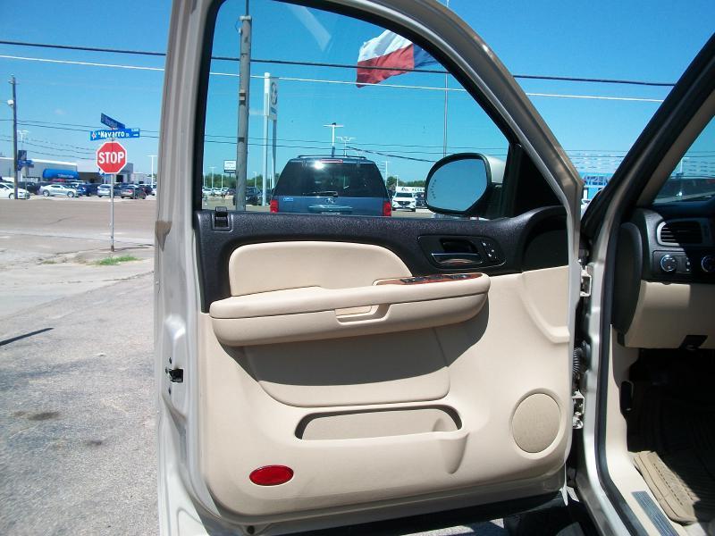 2008 Chevrolet Suburban 4x4 LTZ 1500 4dr SUV - Victoria TX