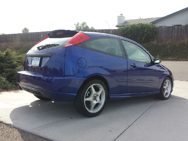 2002 ford focus zx3 svt in spring valley long beach palm. Black Bedroom Furniture Sets. Home Design Ideas