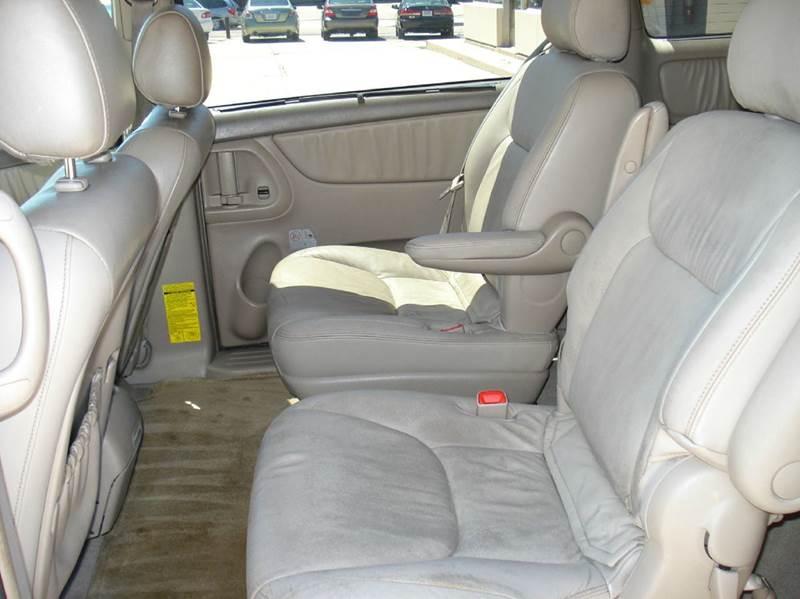 2004 Toyota Sienna AWD XLE 7-Passenger 4dr Mini-Van - Frontier Motors Ltd CO