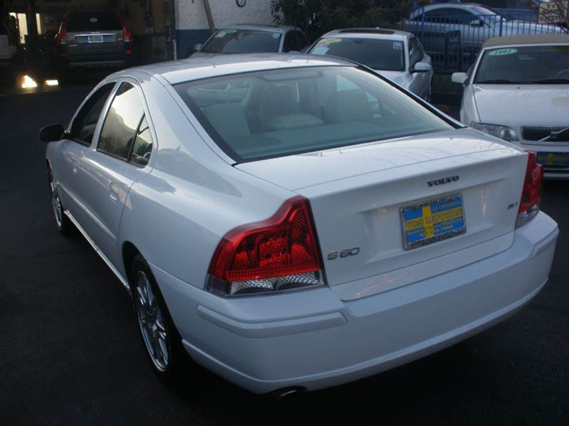 2005 Volvo S60 4dr 2.5T Turbo Sedan - La Crescenta CA