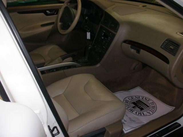 2001 Volvo XC70 AWD CROSS COUNTRY - La Crescenta CA