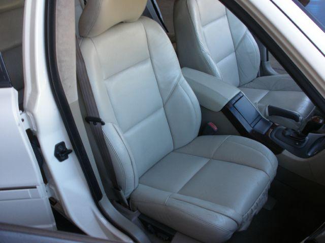 2003 Volvo S80 T6  4dr Sedan - La Crescenta CA