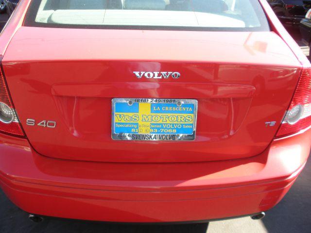 2005 Volvo S40 T5 4dr Sedan - La Crescenta CA