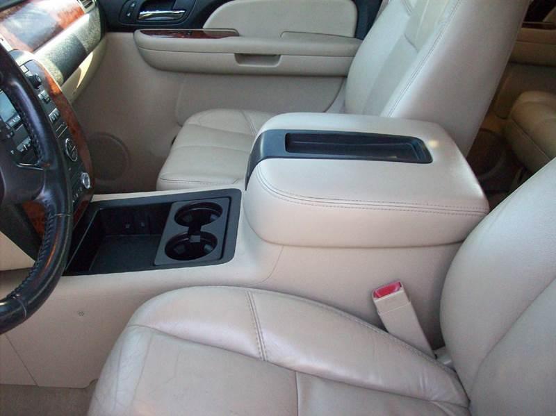 2007 Chevrolet Suburban LTZ 1500 4dr SUV 4WD - Gainesville MO
