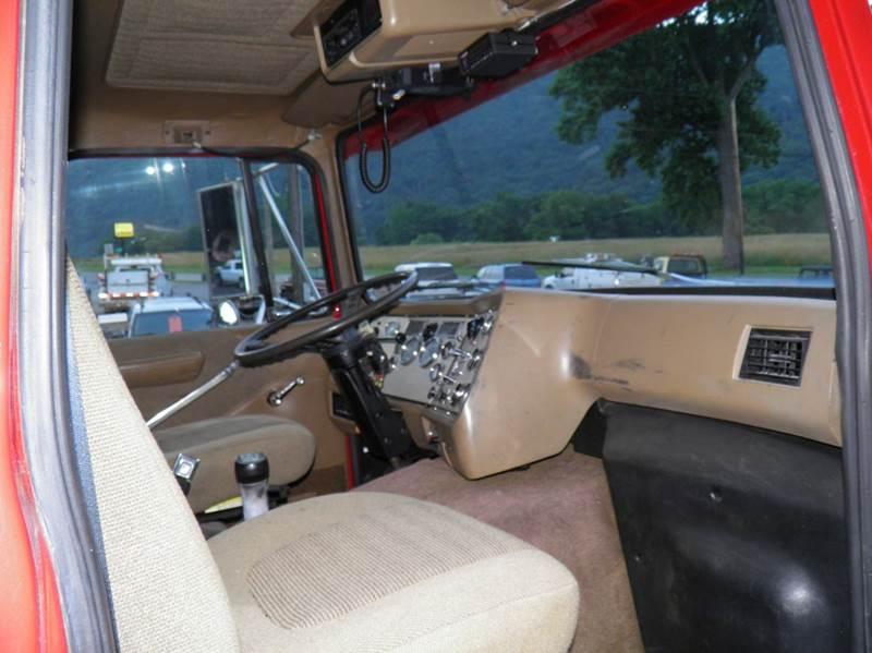 1994 Ford L-9000 Luxury Pkg. - Riverton WV