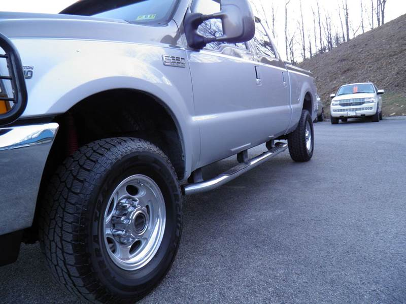 2001 Ford F-250 Super Duty 4dr Crew Cab Lariat 4WD SB - Riverton WV
