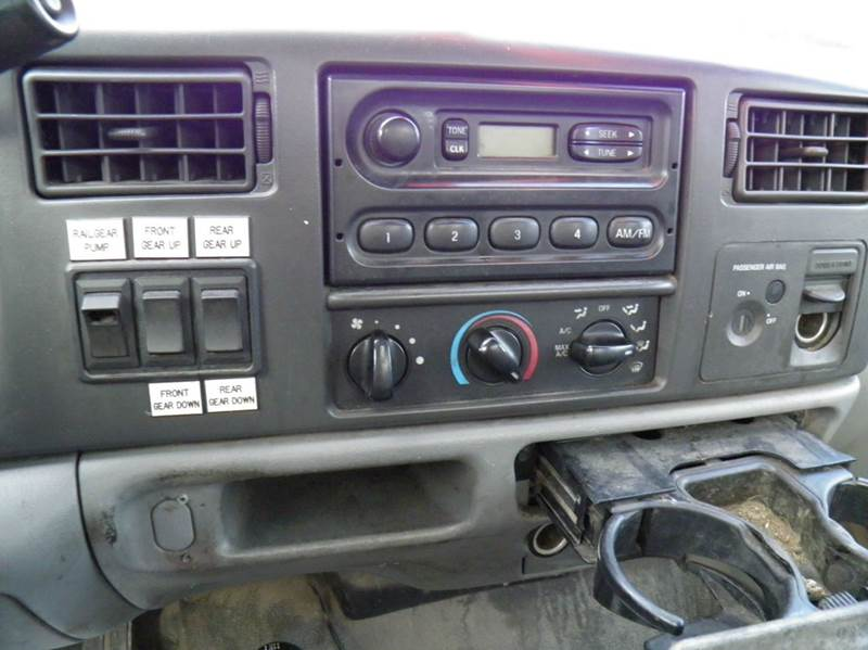 2003 Ford F-350 Super Duty 2dr Standard Cab XL 4WD LB - Riverton WV