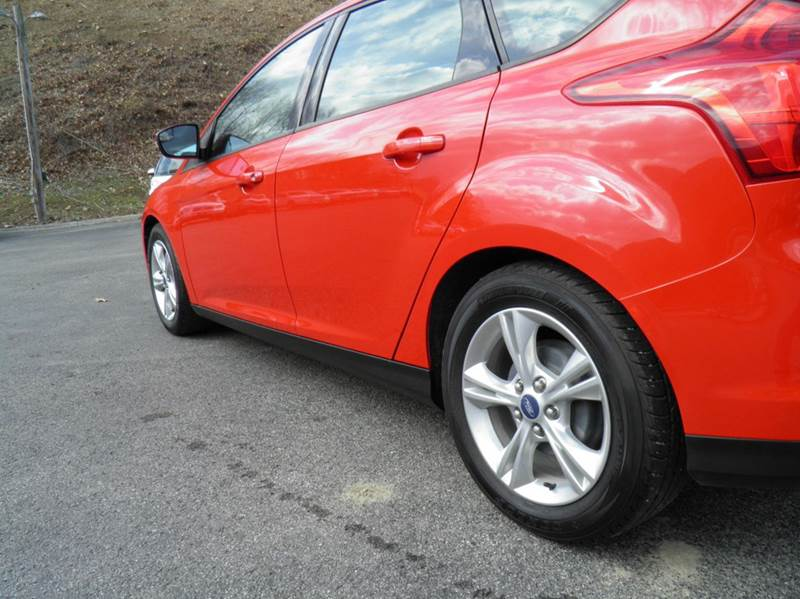 2014 Ford Focus SE 4dr Hatchback - Riverton WV