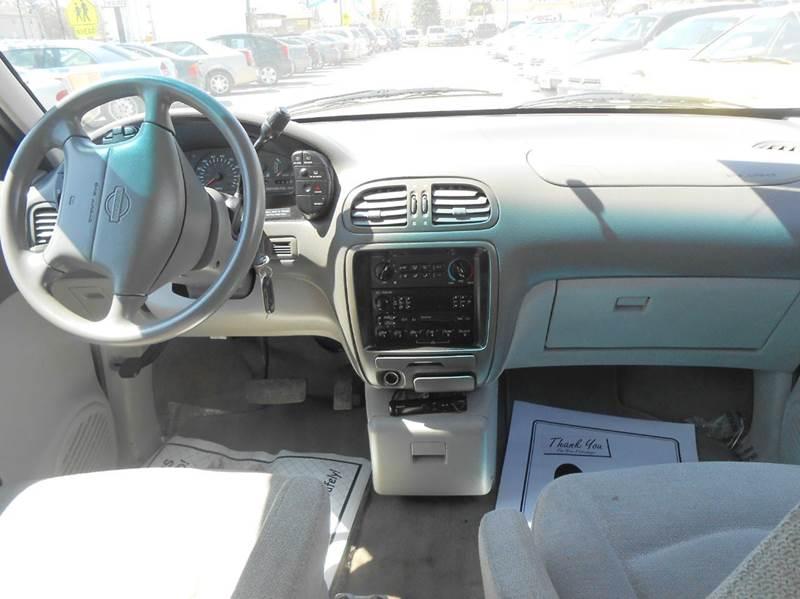 1998 Nissan Quest 3dr GXE Mini-Van - Harvey IL