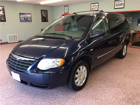 2005 Chrysler Town and Country for sale in Middletown, OH