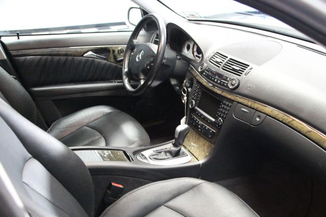 2005 Mercedes-Benz E-Class - Information and photos - ZombieDrive