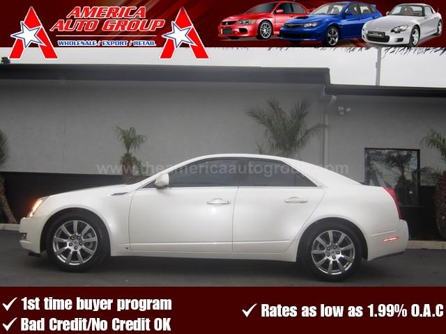 2008 CADILLAC CTS RWD W1SB white luxury at its finest this cts comes factory loaded with navig