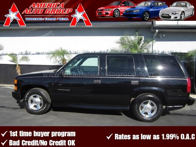 2000 CHEVROLET TAHOE LIMITED black we have financing available for all buyers including the only