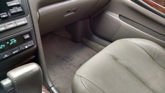 2001 Infiniti I30 Touring 4dr Sedan - Houston TX