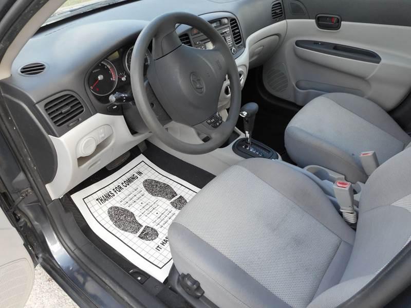 2009 Hyundai Accent GLS 4dr Sedan - Houston TX