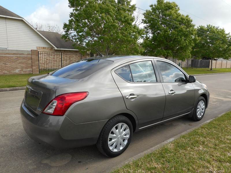 2012 Nissan Versa 1.6 S 4dr Sedan CVT - Houston TX