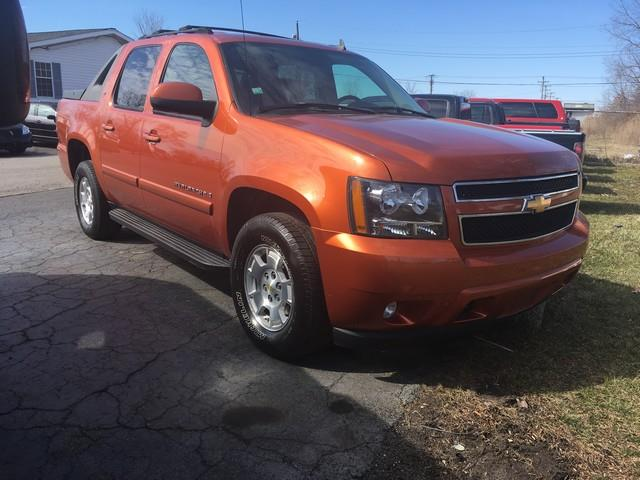 2007 CHEVROLET AVALANCHE LT orange 4x4 moon roof leather call now for fast credit approval air