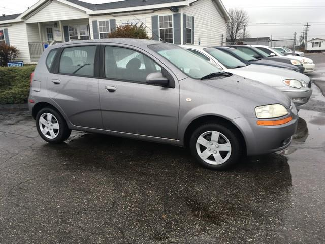 2006 CHEVROLET AVEO LS 4DR HATCHBACK gray immaculate in and out manuall trans fwd great on gas
