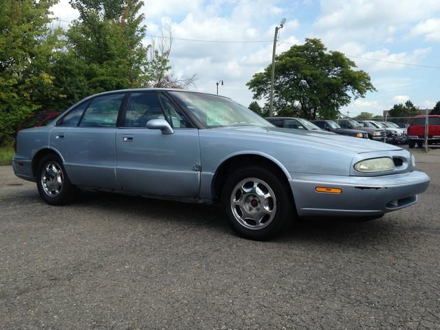 1996 OLDSMOBILE EIGHTY-EIGHT BASE 4DR SEDAN blue leather power options call now air conditioni