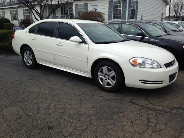 2009 CHEVROLET IMPALA LS 4DR SEDAN white tinted windows all power options automatic clean cal
