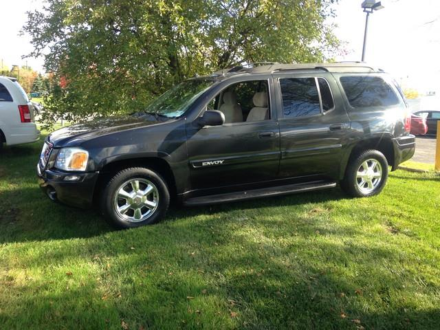 2004 GMC ENVOY XL SLE 4DR SUV gray moon roof cloth interior all power options call now for fas