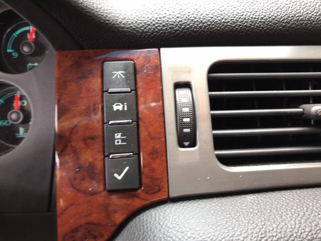 2012 Chevrolet Avalanche LTZ 4x4 4dr Crew Cab Pickup - Newport News VA