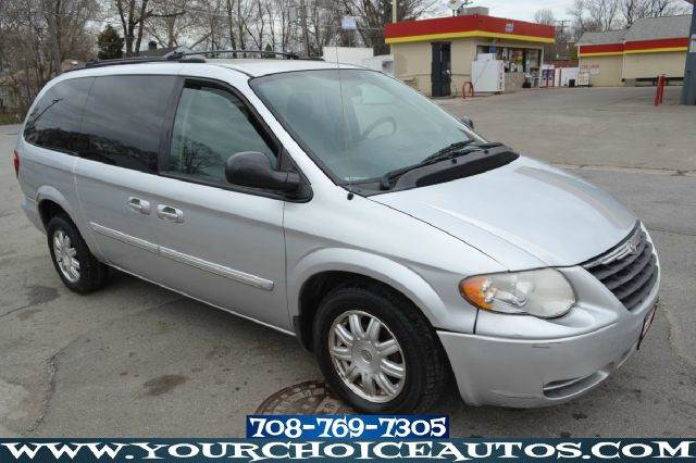 2005 chrysler town and country touring minivan in posen il. Black Bedroom Furniture Sets. Home Design Ideas