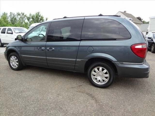 used 2005 chrysler town and country touring edition in montgomery ny at mid way auto sales inc. Black Bedroom Furniture Sets. Home Design Ideas
