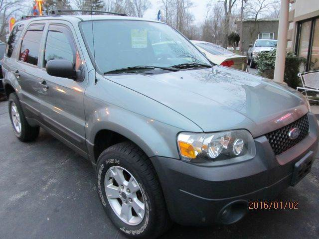 2005 Ford Escape AWD XLT 4dr SUV - Montgomery NY