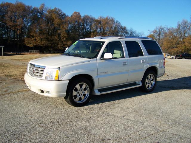 2004 cadillac escalade used cars for sale carsforsale com autos post. Black Bedroom Furniture Sets. Home Design Ideas