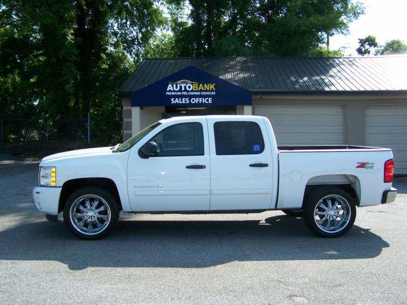chevrolet silverado 1500 4x4 lt 4dr crew cab 5 8 ft sb in greenville. Cars Review. Best American Auto & Cars Review