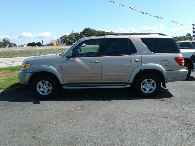 2002 Toyota Sequoia SR5 2WD 4dr SUV - St. Charles MO
