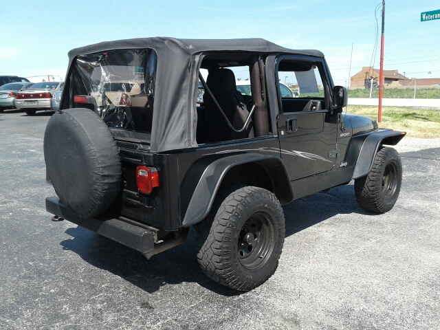 2004 Jeep Wrangler Sport 4WD 2dr SUV - St. Charles MO