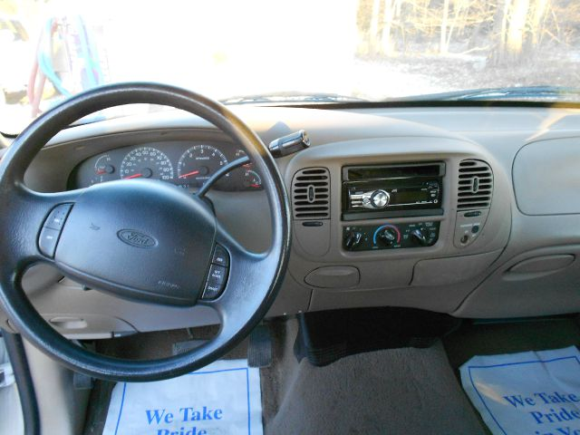 2000 Ford F-150 XLT SuperCab Short Bed 2WD - North Easton MA