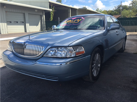 2005 Lincoln Town Car for sale in Houston, TX