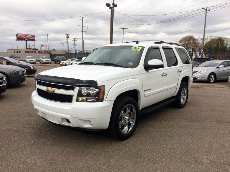 2007 Chevrolet Tahoe  Miles 123175Color White Stock 262F VIN 1GNFK13057R197170