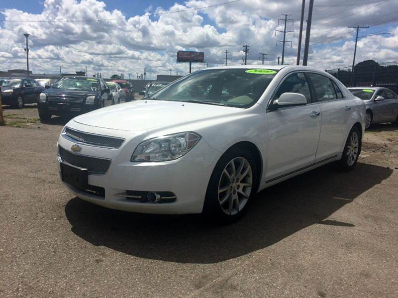 2009 Chevrolet Malibu  Miles 84067Color White Stock 394F VIN 1G1ZK577094212574