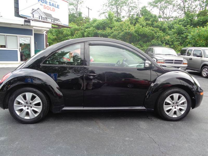 2009 Volkswagen New Beetle Base 2dr Hatchback 6A - Trindlemechanicsburg PA