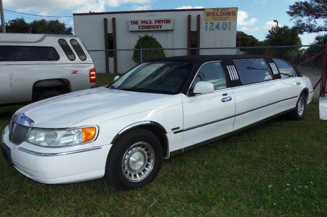 2001 Lincoln Town Car for sale in Largo FL