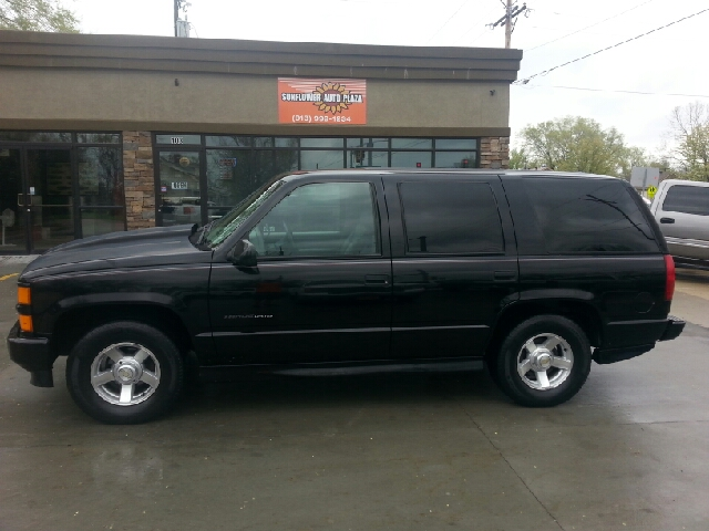 2000 chevrolet tahoe for sale in tonganoxie ks. Black Bedroom Furniture Sets. Home Design Ideas