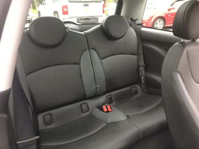 2008 MINI Cooper Base 2dr Hatchback - Ludlow MA