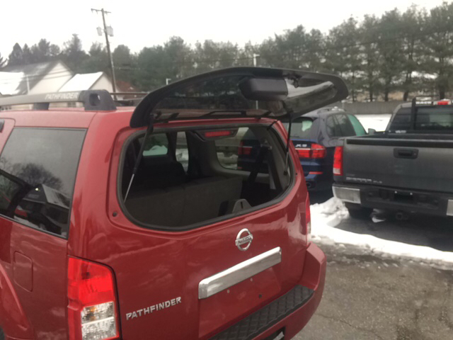 2007 Nissan Pathfinder SE 4dr SUV 4WD - Ludlow MA