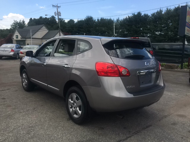 2011 nissan rogue awd sv 4dr crossover in ludlow ma