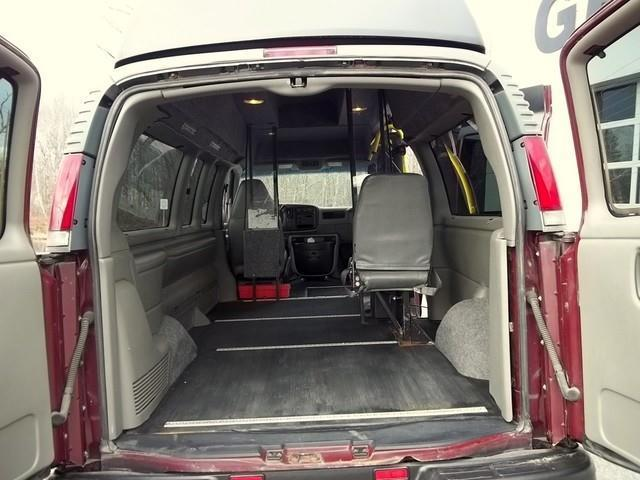 2001 Chevrolet Express Wheelchair Platform Lift  - Phillipston MA
