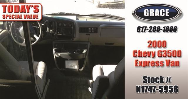 2000 Chevrolet Express WHEELCHAIR ACCESSIBLE - Phillipston MA