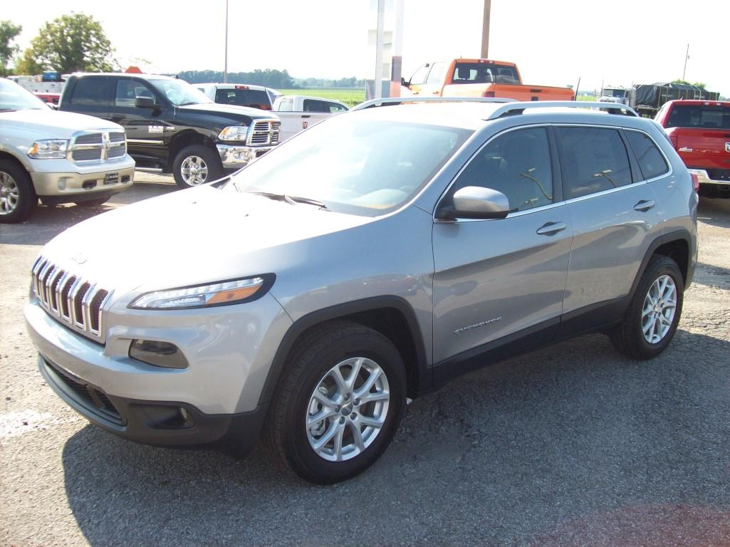 2015 jeep cherokee latitude 4x4 4dr suv in troy tn tony sells cars. Black Bedroom Furniture Sets. Home Design Ideas