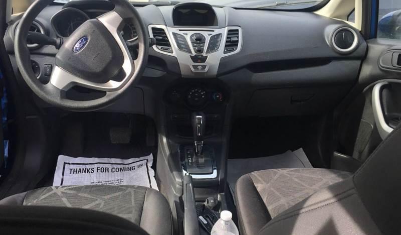 2011 Ford Fiesta SE 4dr Hatchback - Bridgeview IL
