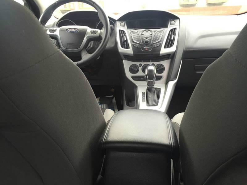 2012 Ford Focus SE 4dr Sedan - Bridgeview IL